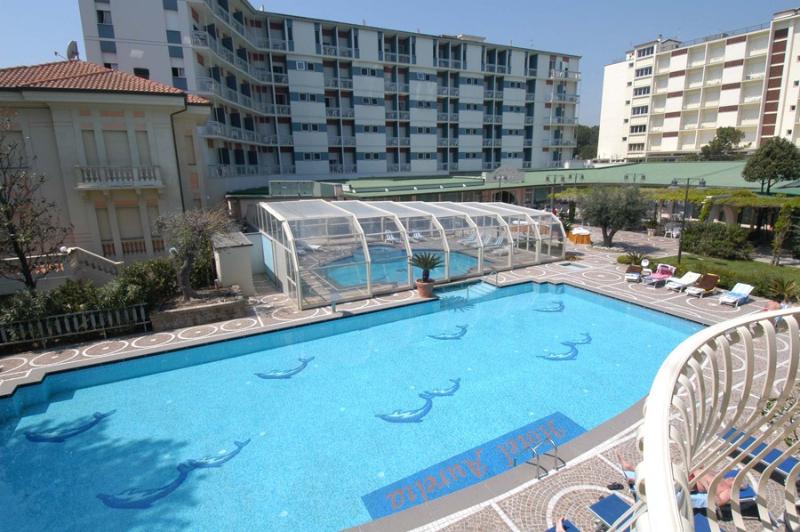 Hotel aurelia viale 2 giugno 34 milano marittima - Hotel con piscina milano ...