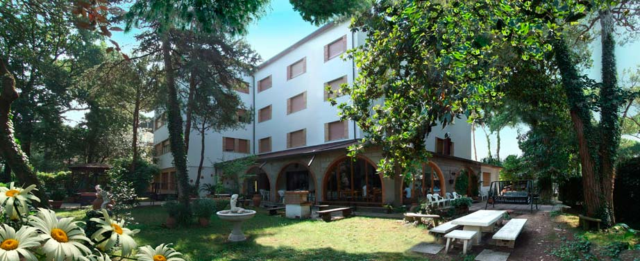 Hotel biancaneve milano marittima 2 stelle con piscina - Hotel con piscina milano ...